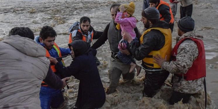 عکس: نجات اهالی روستای «چَمـبَطان» توسط تکاوران سپاه