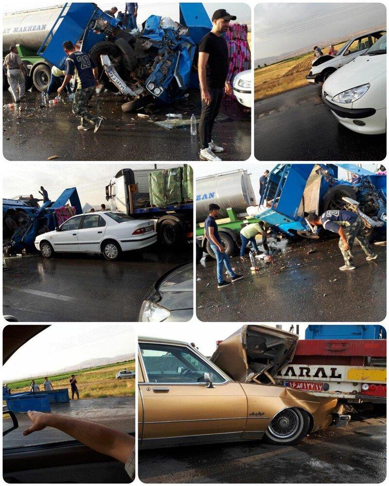 نخستین تصاویر از تصادف زنجیره ای کرج _ قزوین که ۵۰ خودرو به هم خوردند