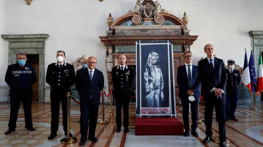 نقاشی دزدیده شده بنکسی به فرانسویها بازگردانده شد